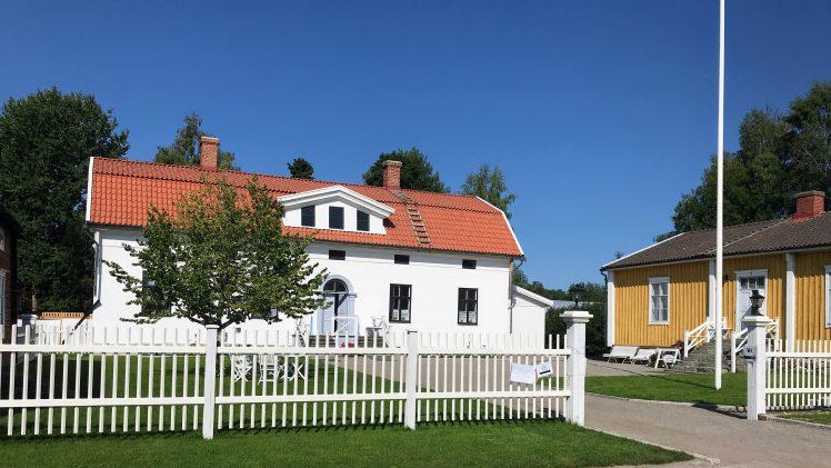 """Hos familjen Topelius på Kuddnäs – en """"märklig"""" tavla"""